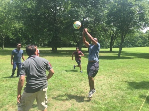 2016-picnic-volleyball-11