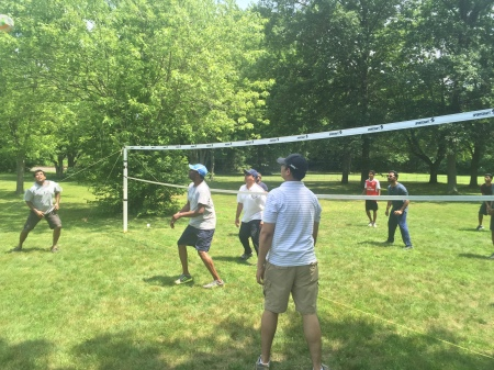 2016-picnic-volleyball-15
