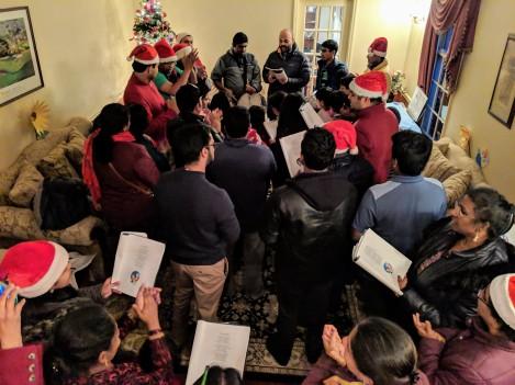2018-Christmas-Carol-088
